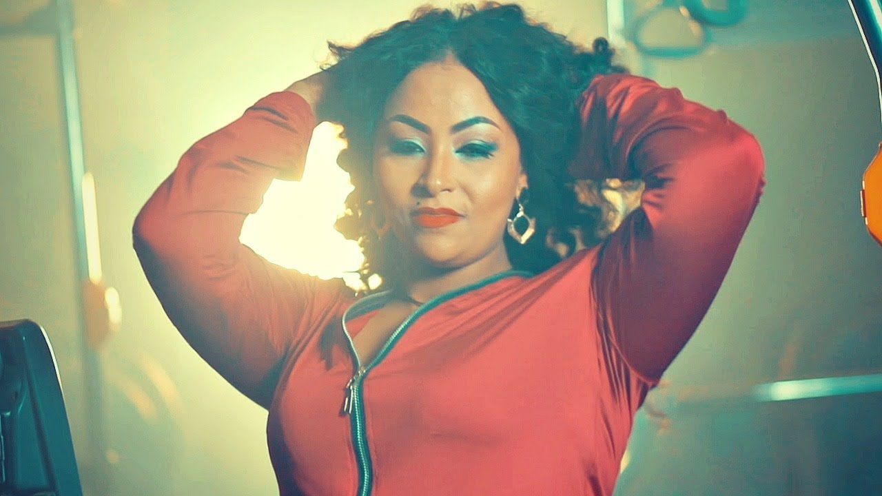 Helen Argaw - Zim Atebelegn | ዝም አትበለኝ - New Ethiopian Music 2018 (Official Video)
