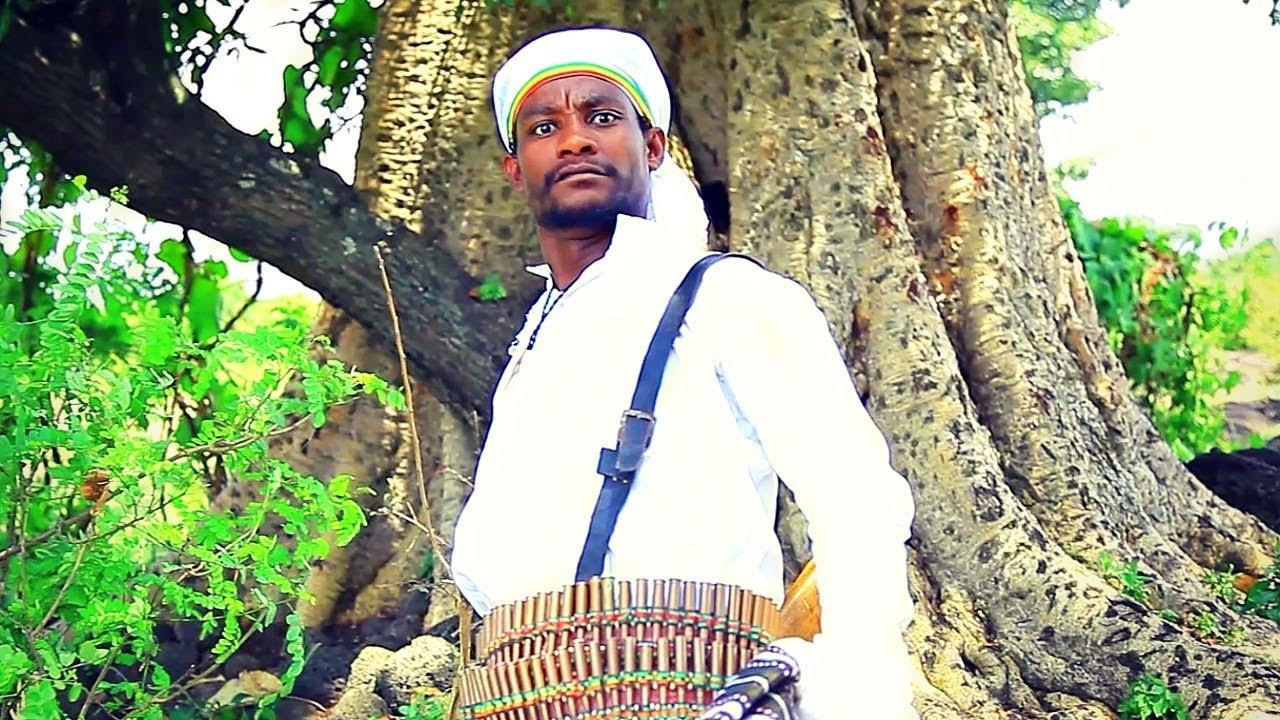 Habte Abraham - Yawkbetal | ያውቅበታል - New Ethiopian Music 2018 (Official Vido)