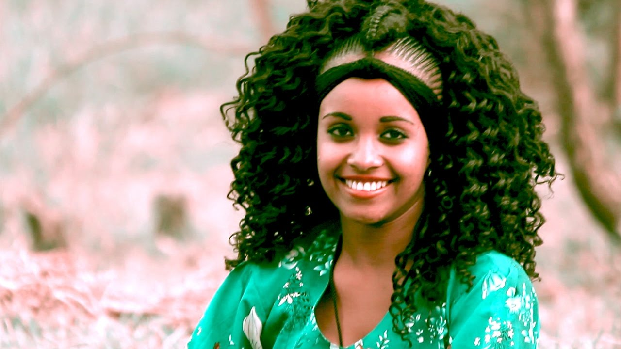 Kebur W/Giyorgis - Kbur New Gojam(ክቡር ነው ጎጃም) - New Ethiopian Music 2017(Official Video)