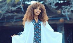 Tigist Aschilegn - Des Yilegnal | ደስ ይለኛል - New Ethiopian Music 2019 (Official Video)