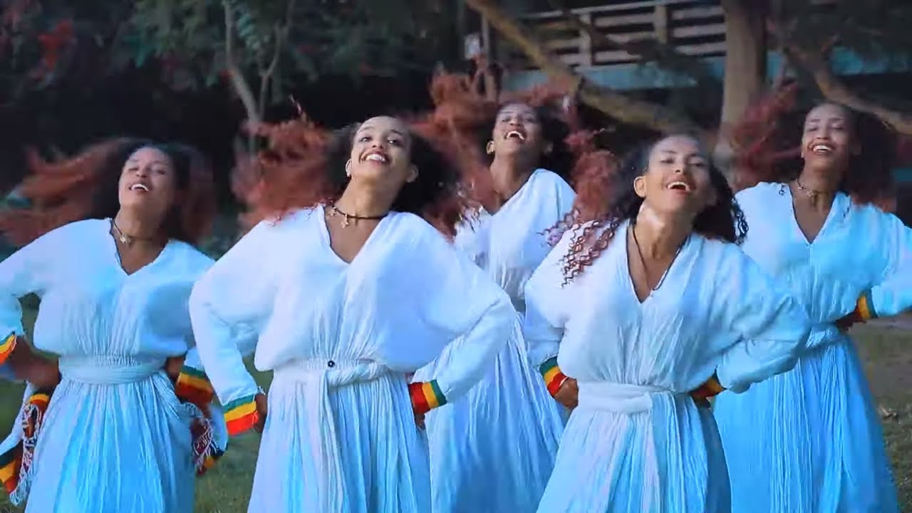 "Henok Ambaye (Heni Bench) ሄኖክ አምባዬ (ሄኒ ቤንች) ""ልበሽ Libesh"" New Ethiopian Music 2019(Official Video)"
