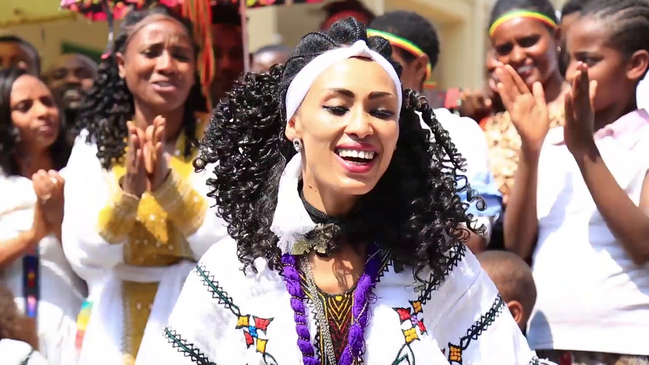 Ethiopian Music : Haregenesh Habtamu ሐረግነሽ ሀብታሙ (በማተቡ ጠና) - New Ethiopian Music 2019(Official Video)